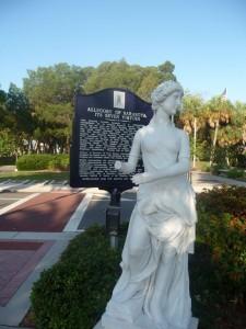 Visit Sarasota - St. Armands Circle