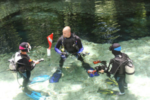 Florida's outdoor coolest spots - divers at Ginnie Springs