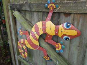 garden statues - gecko